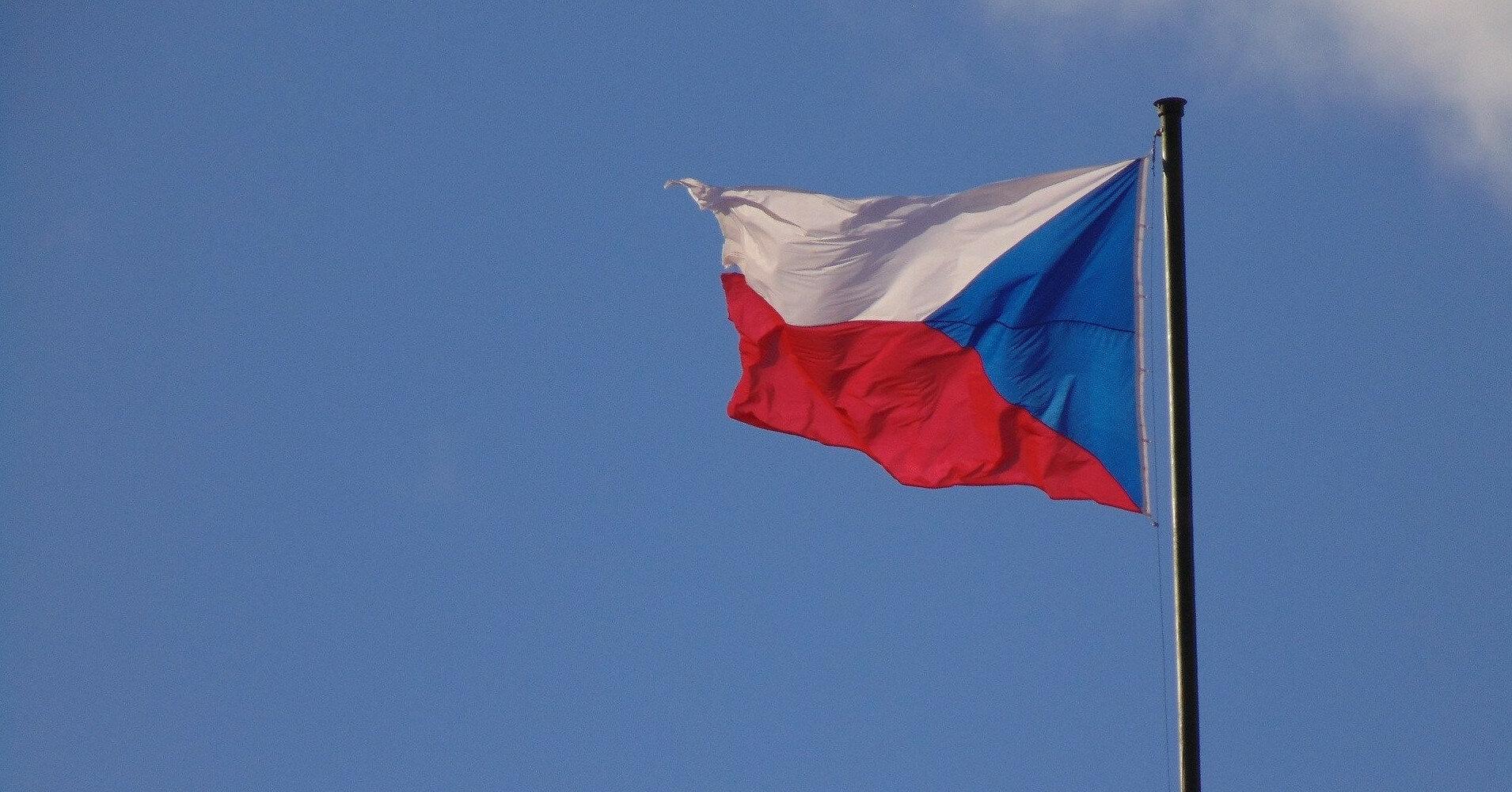 Чехия приостановила поездки в Россию