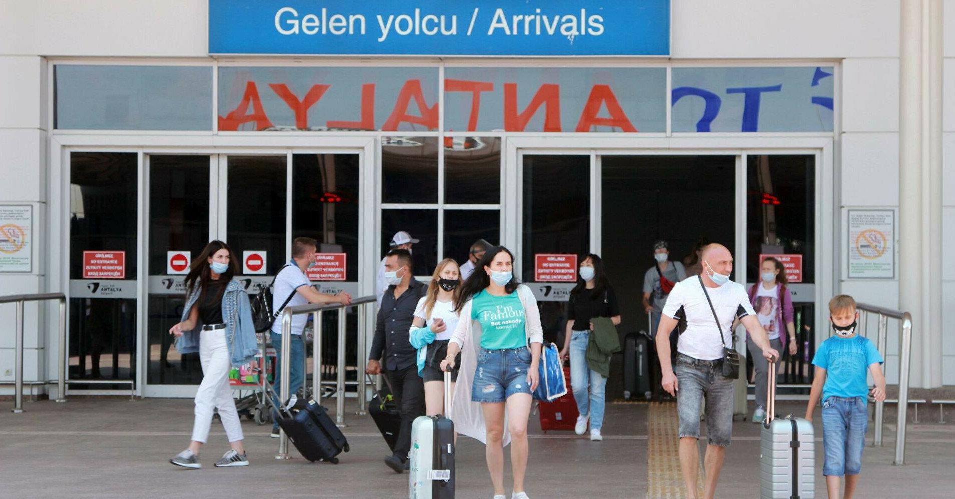 Турция решила отменить комендантский час