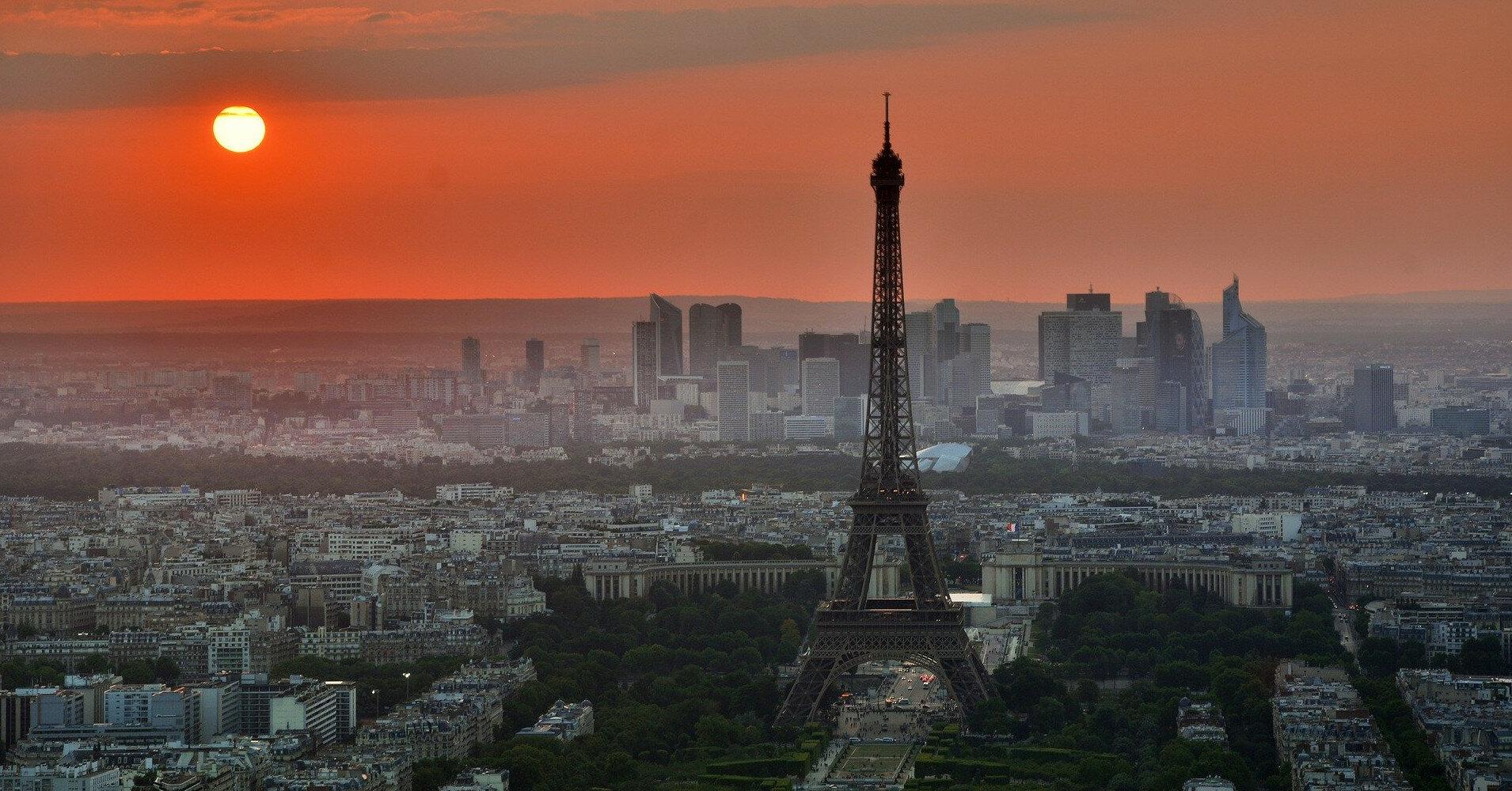 Франция открыла границы для туристов со всего мира