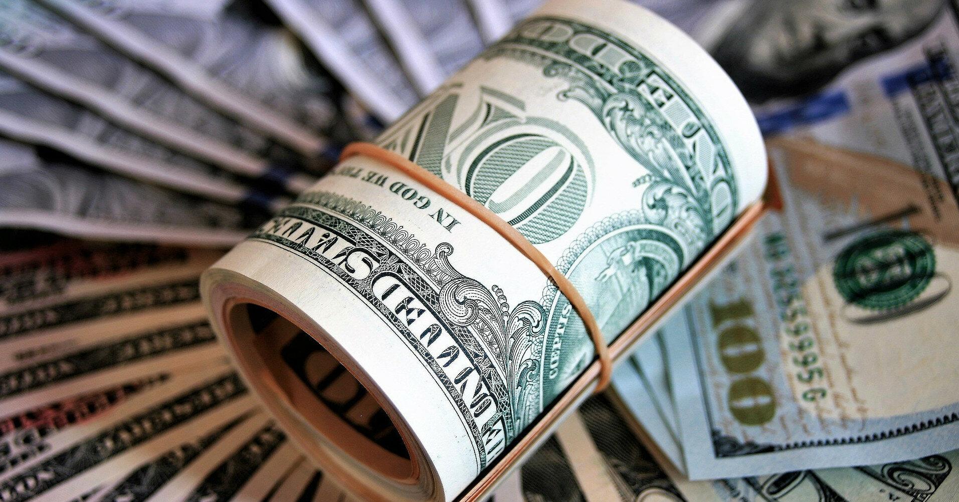 Доллар дорожает по всему миру