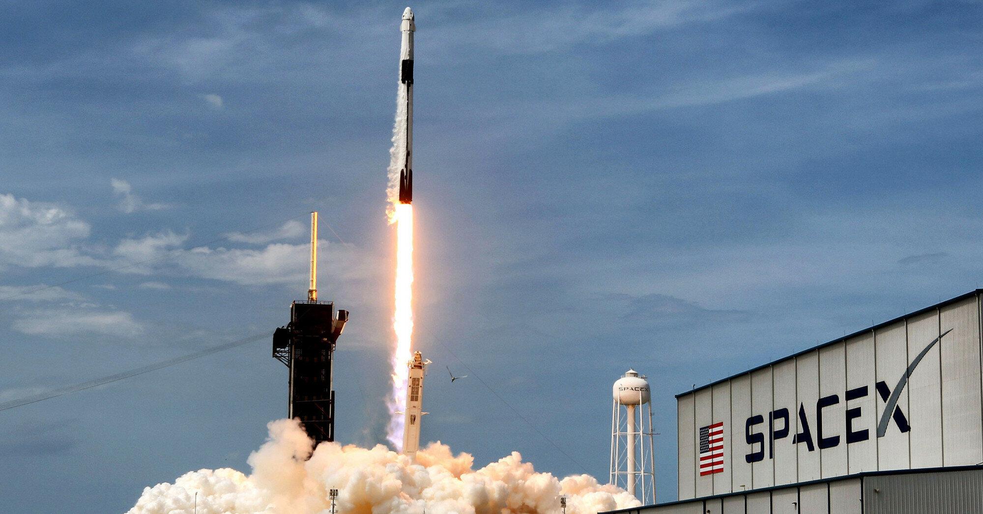 Ракета SpaceX стартовала на орбиту с 88 спутниками