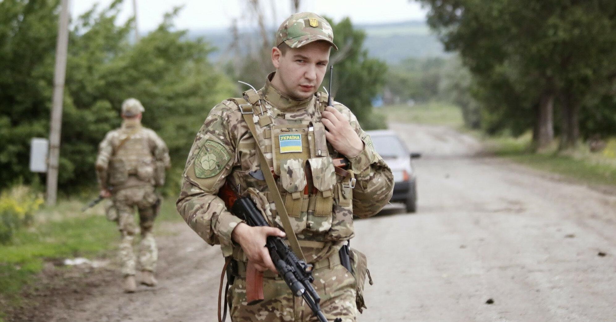Таран хочет отобрать управление армией у Хомчака, - Бутусов