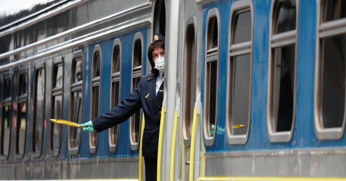 Железнодорожные билеты подорожают еще на 25%