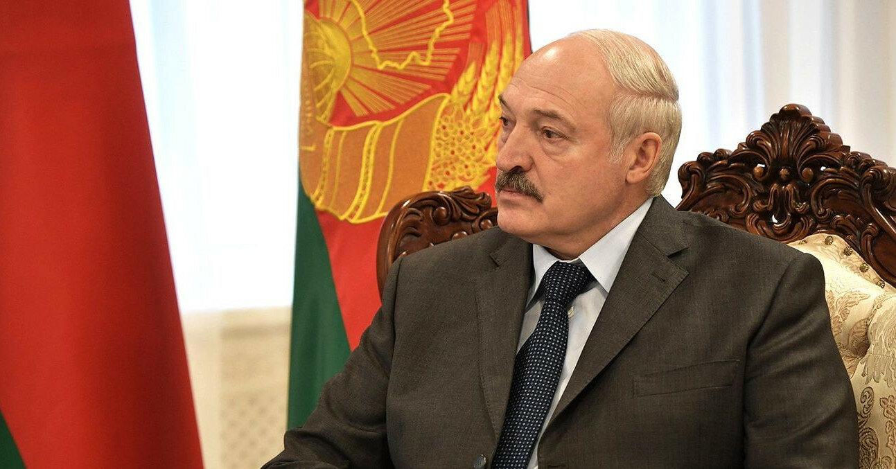 Лукашенко: Беларусь не будет принимать самолеты из Украины