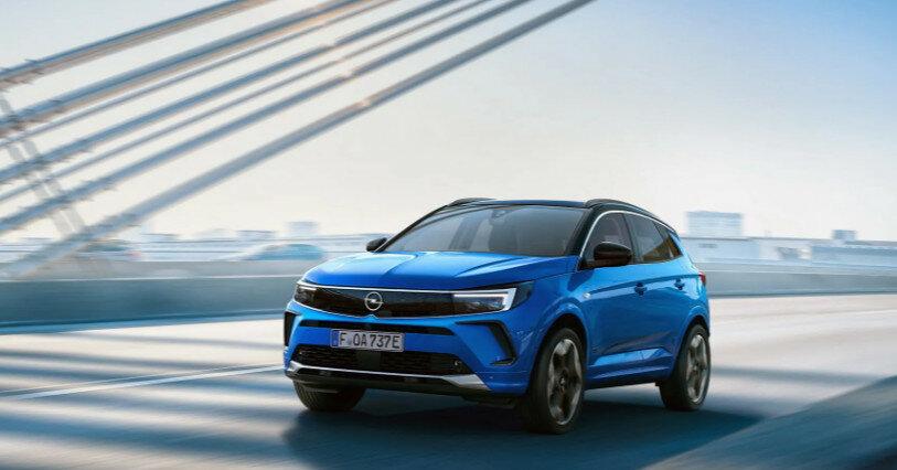 Opel представила обновленный кроссовер Grandland