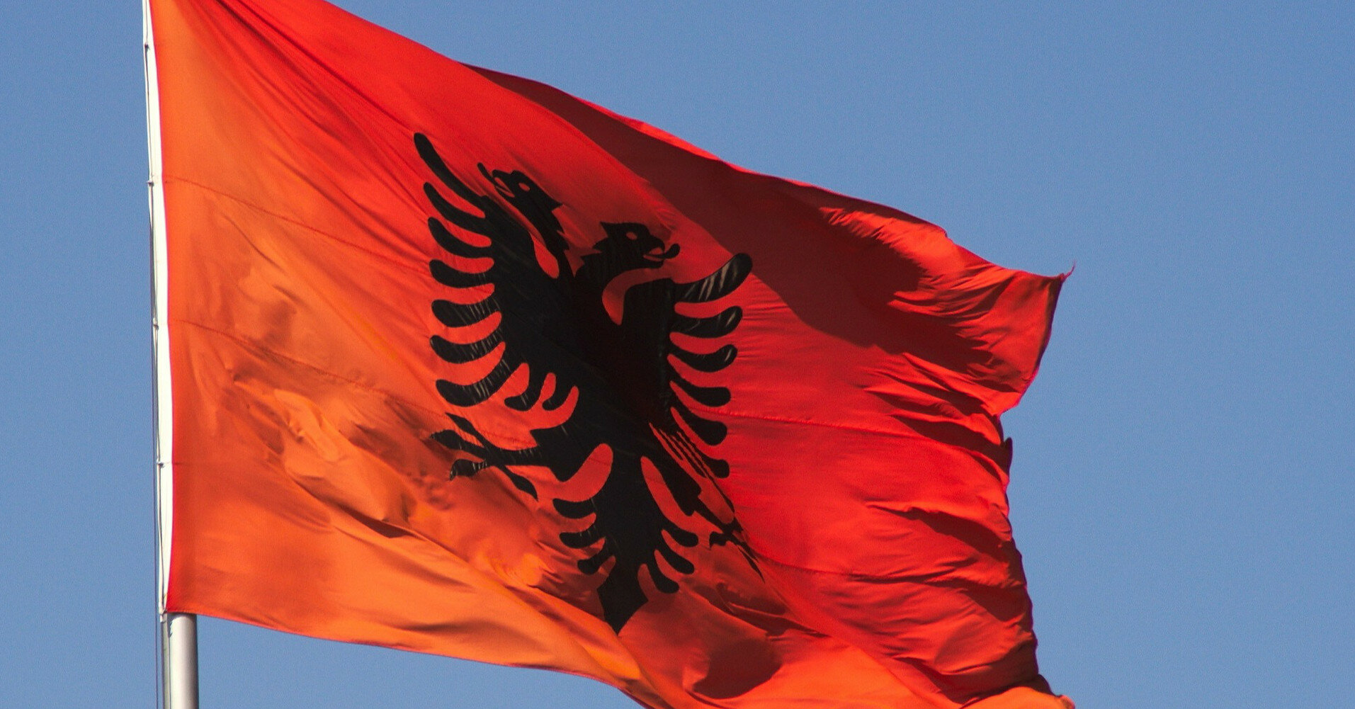 Албанскому президенту объявили импичмент