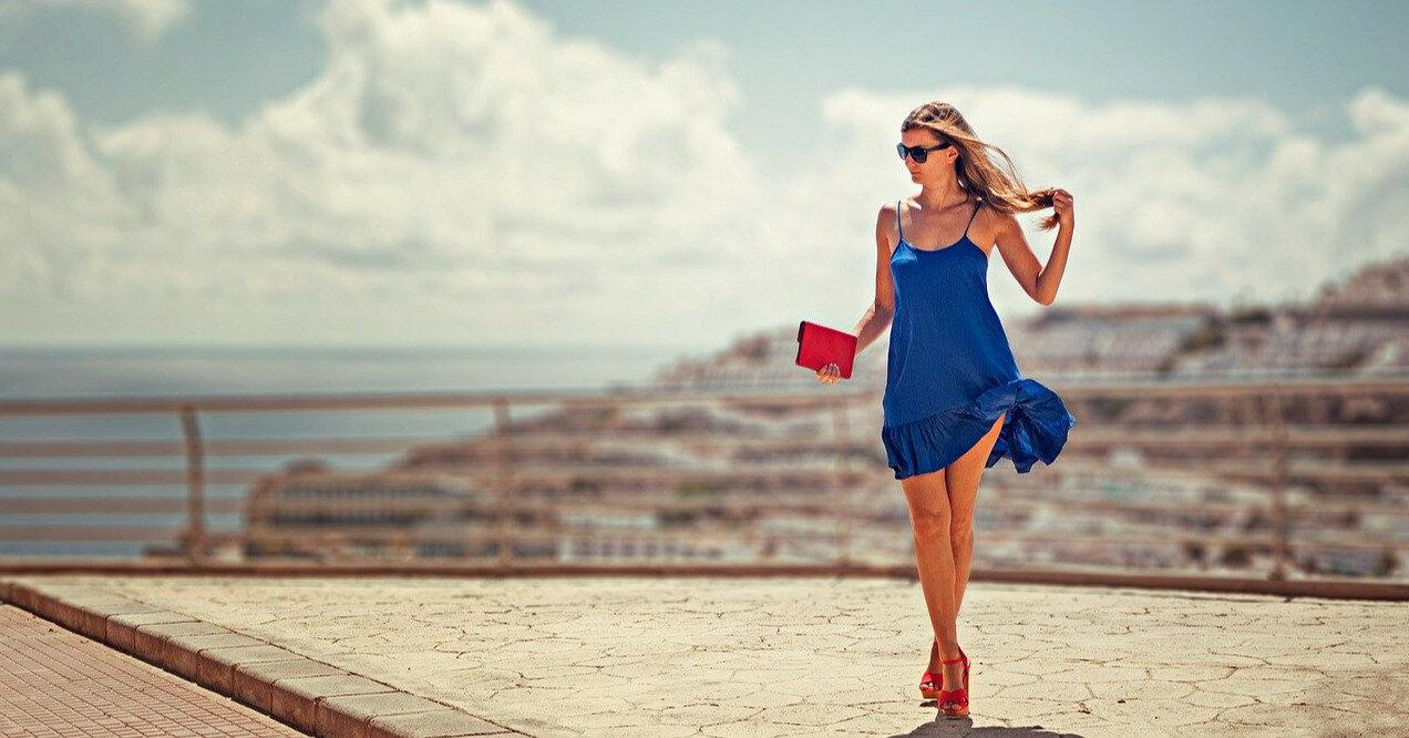 Модные платья и топы на тонких бретелях-спагетти