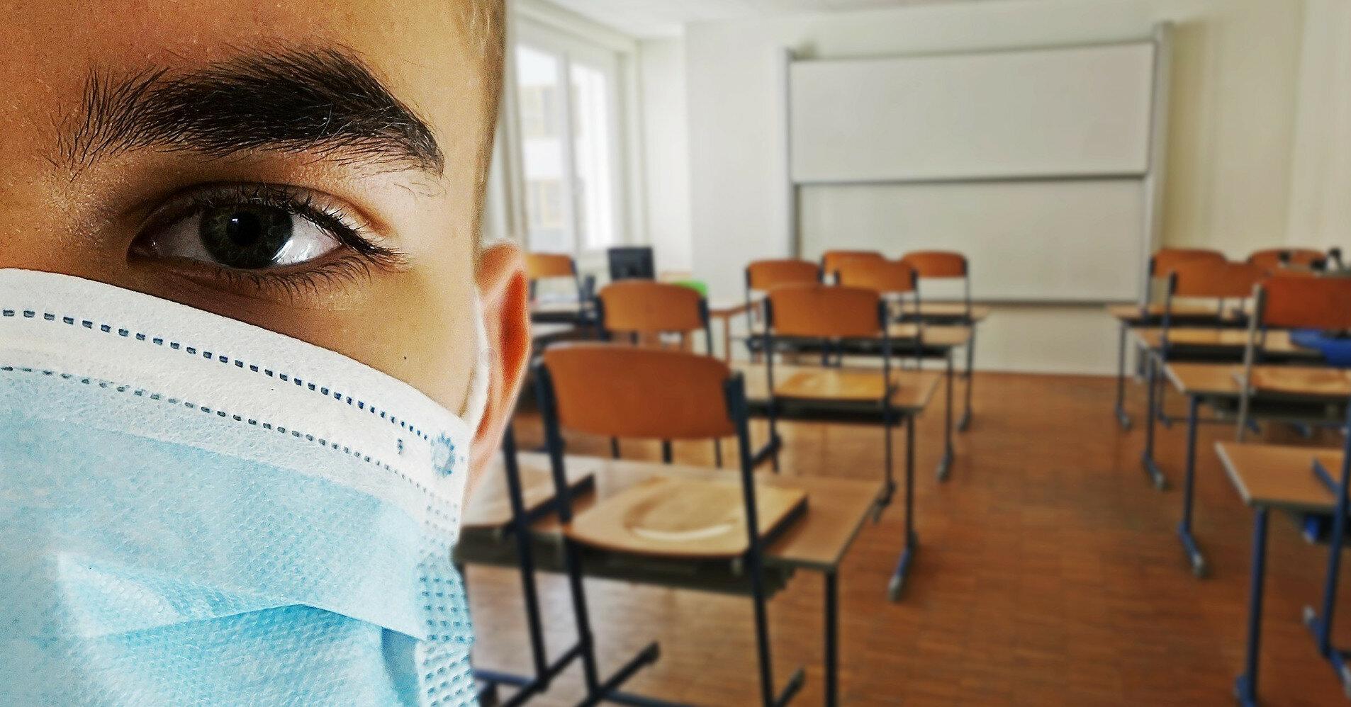 В Испании планируют вакцинировать подростков 12-19 лет до начала учебы