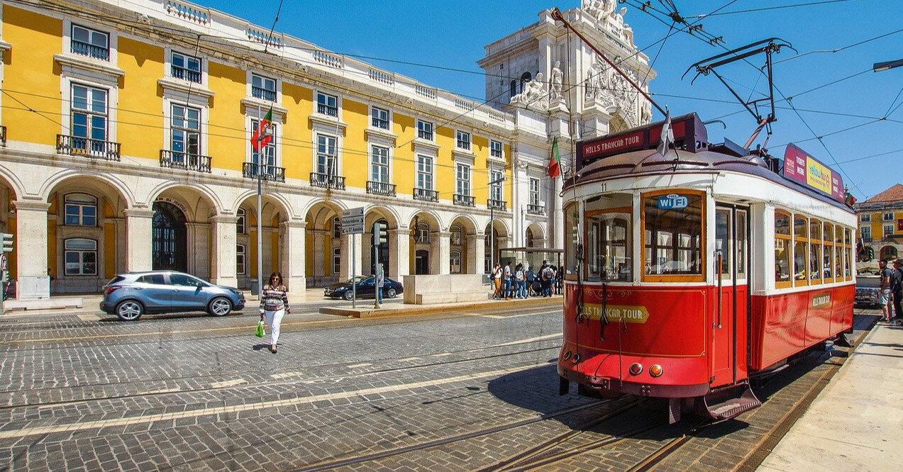 Мэрия Лисабона незаконно передавала посольствам данные протестующих