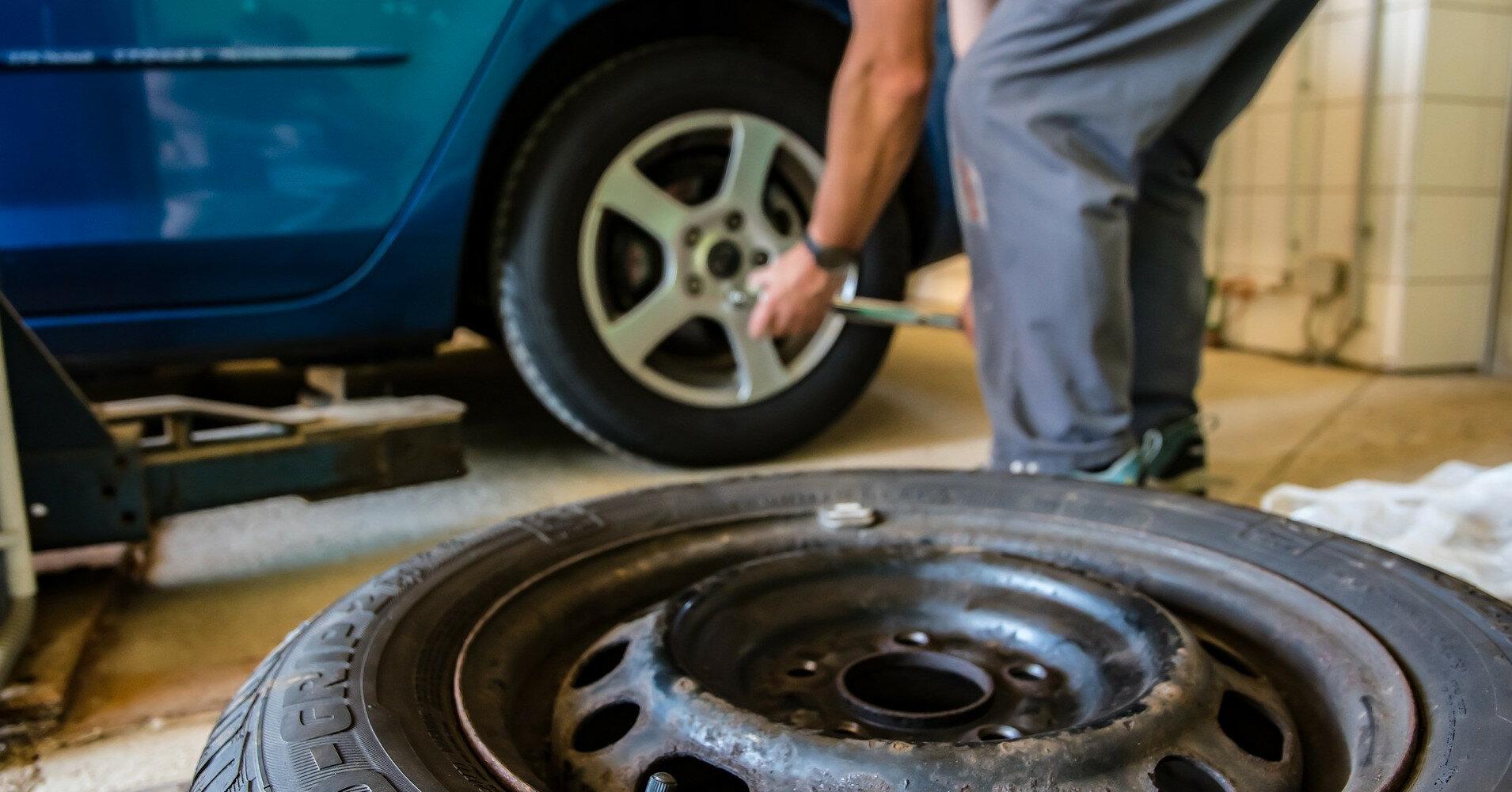 Азот или воздух: чем лучше накачивать шины