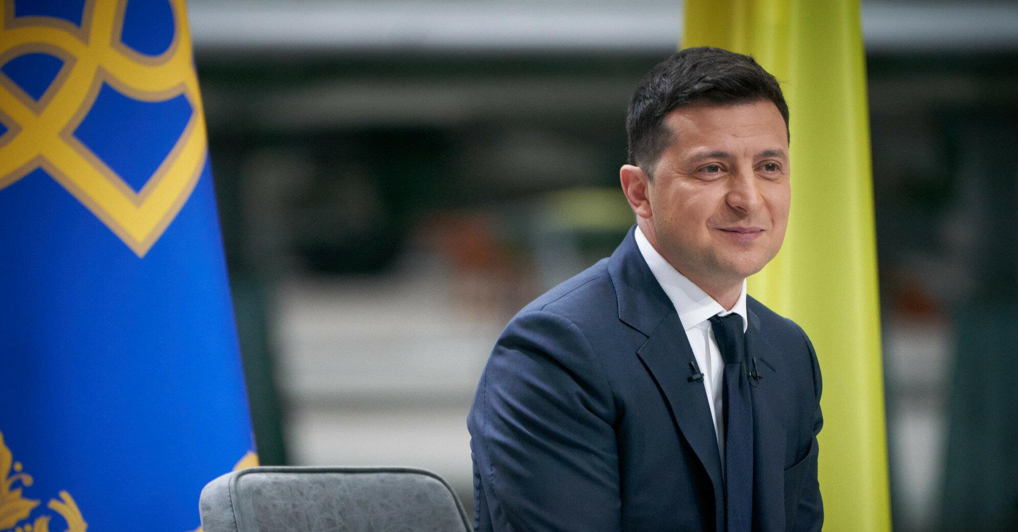 Зеленский поздравил украинцев с Троицей