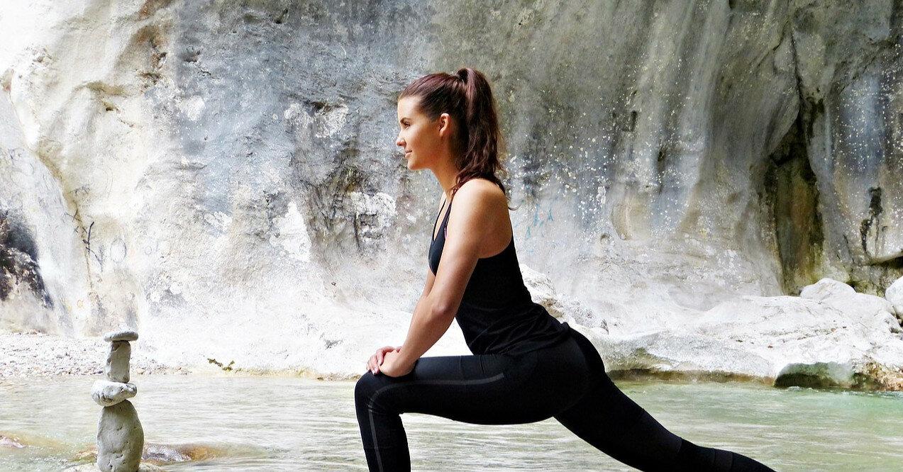 Комплекс упражнений от фитнес-тренера: как эффективно сжечь жир дома