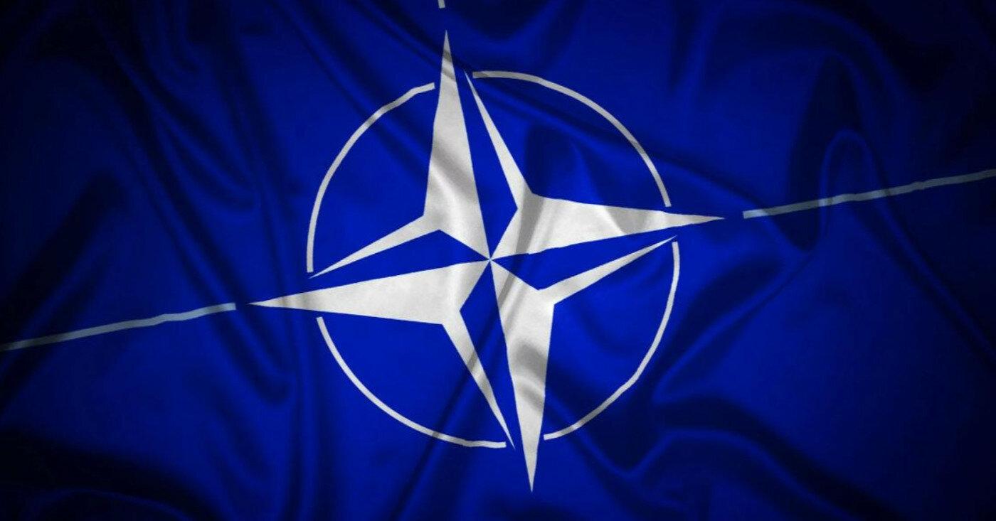 НАТО будет развивать военную активность в Арктике