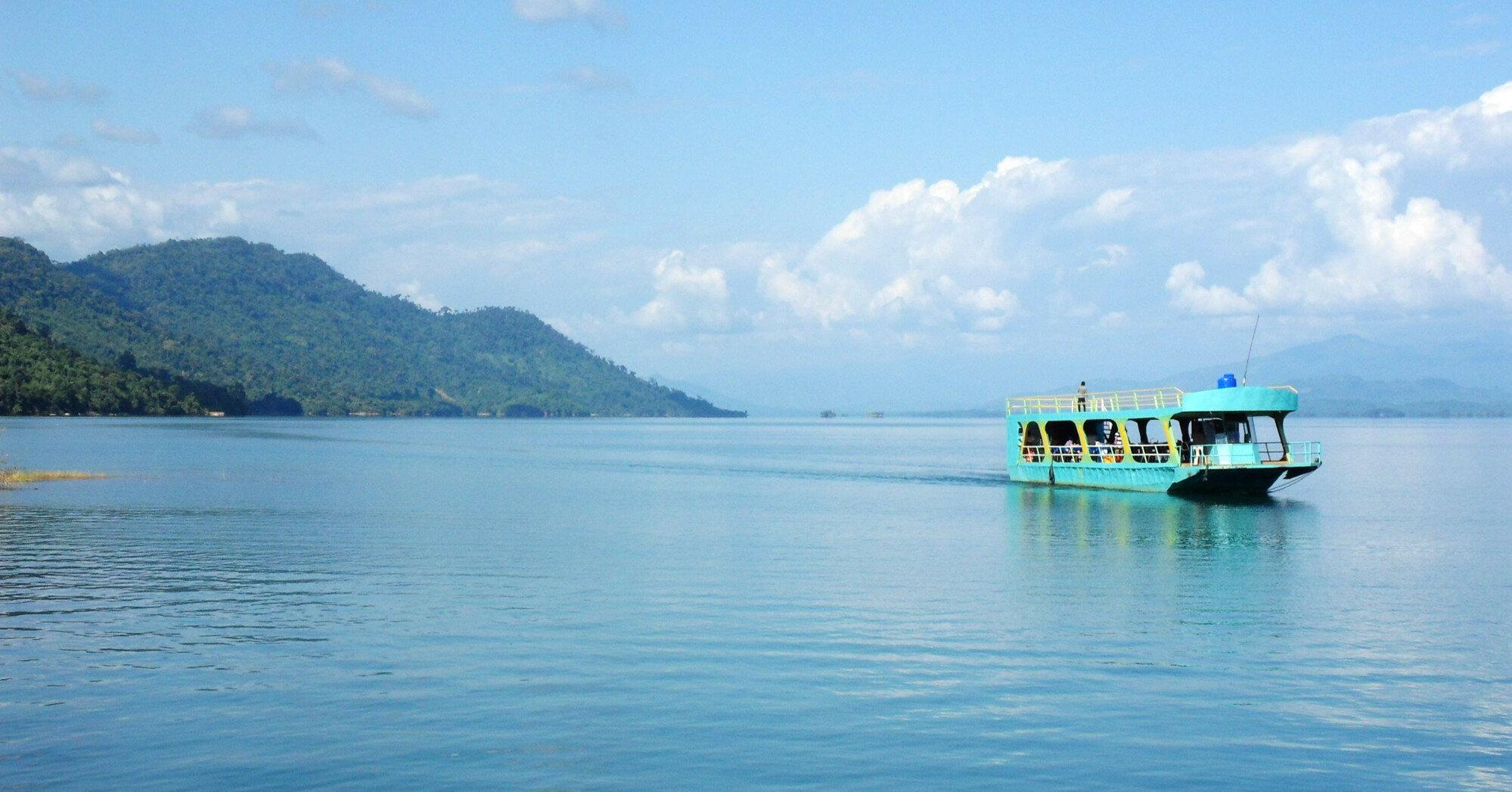 У берегов Бали потерпел крушение пассажирский паром