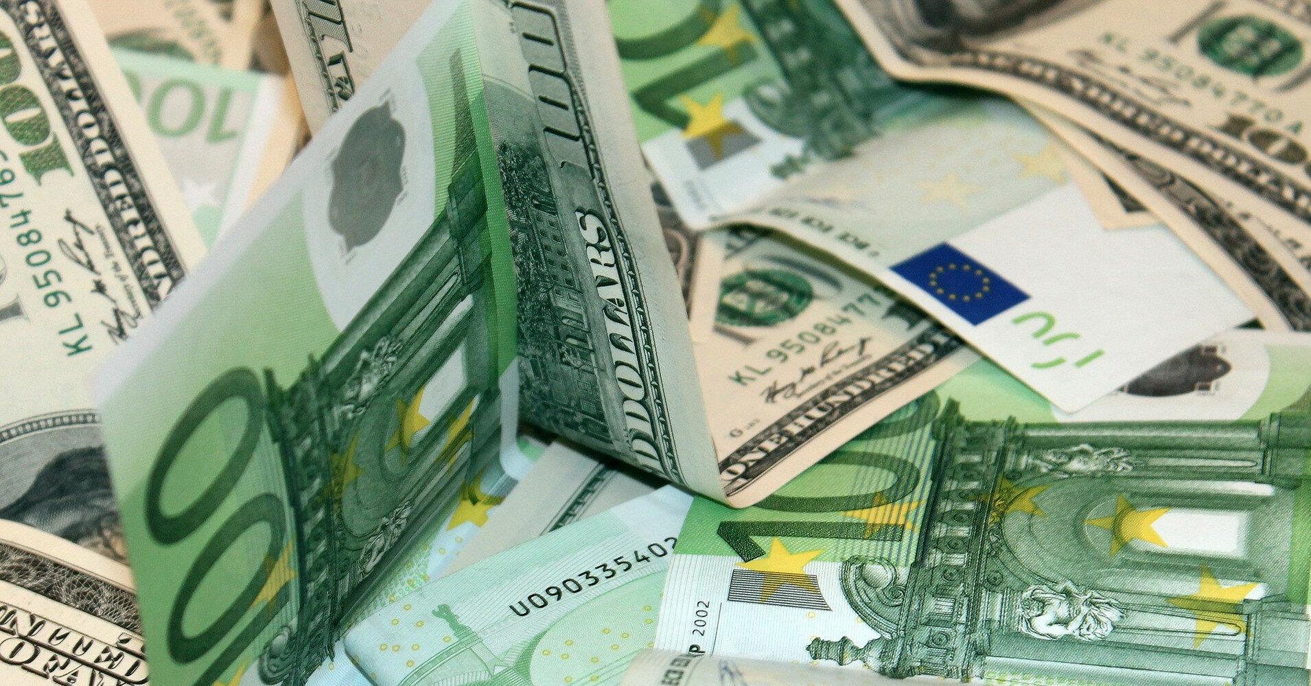 Межбанк: кто активно скупает доллары