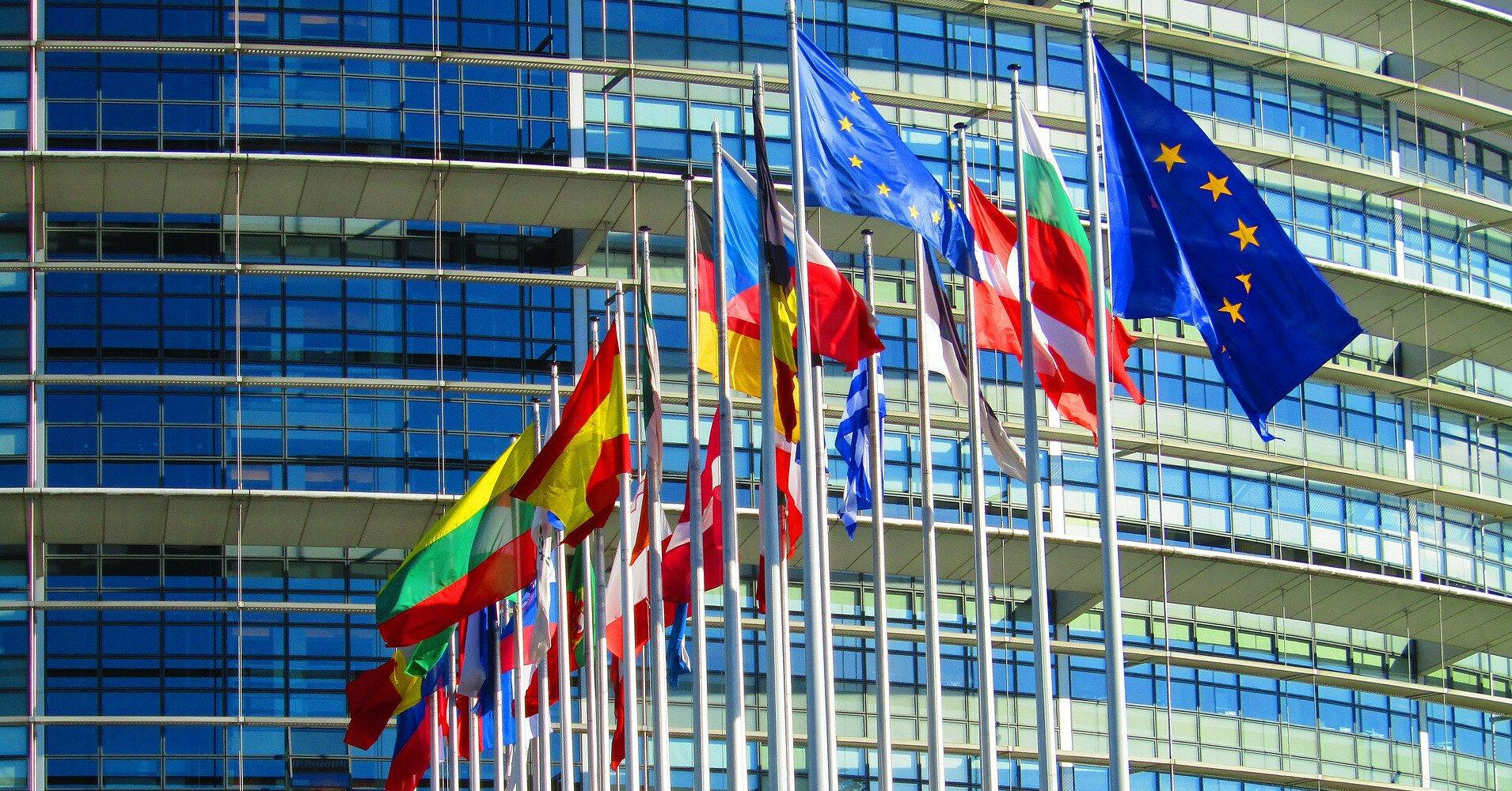 В ЕС в ближайшие месяцы подготовят новые санкции против РФ