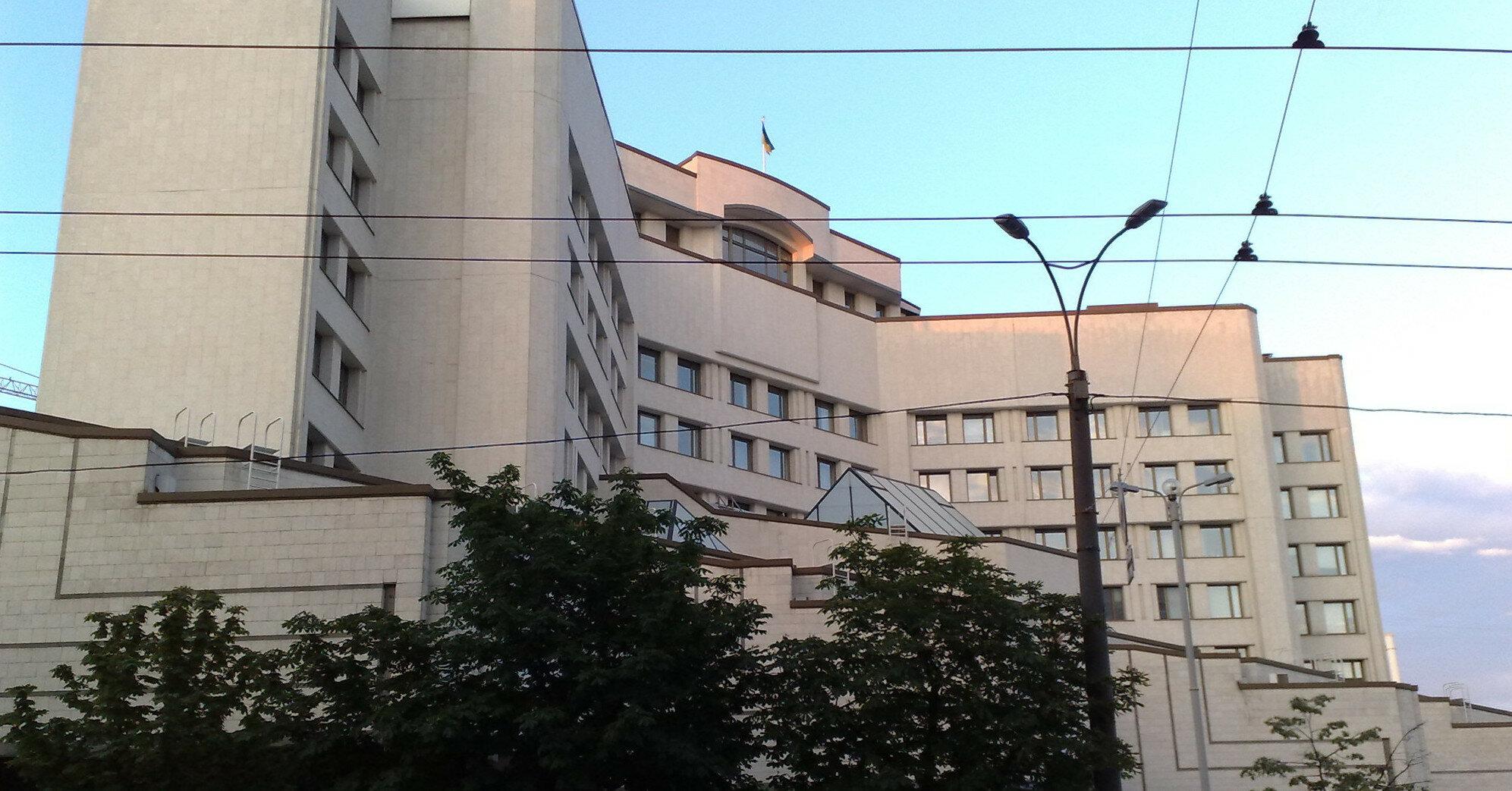 Тупицкий и Касминин пытаются попасть в Конституционный суд