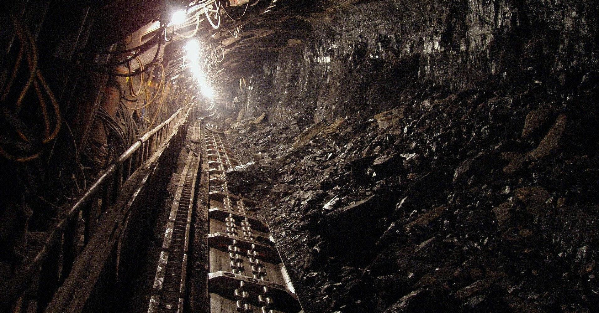 Ахметов против Зеленского. Будут ли закрыты угольные ТЭС и шахты