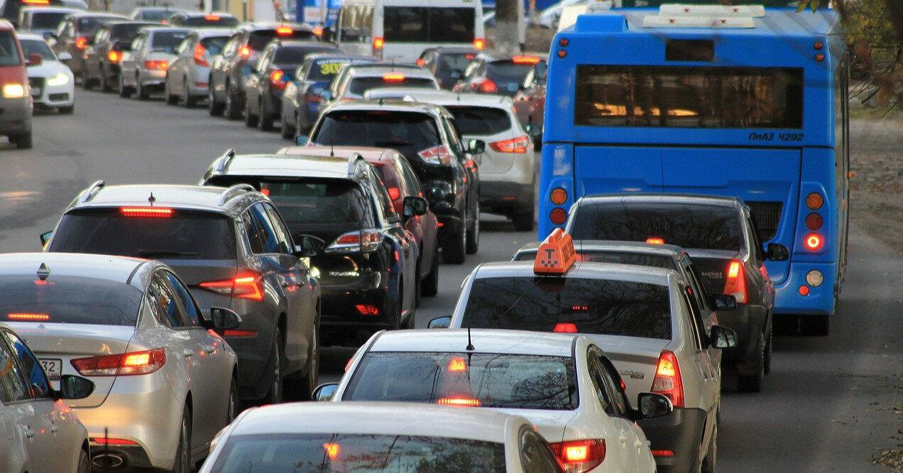 В Киеве перекрыли Крещатик: схема движения автобусов