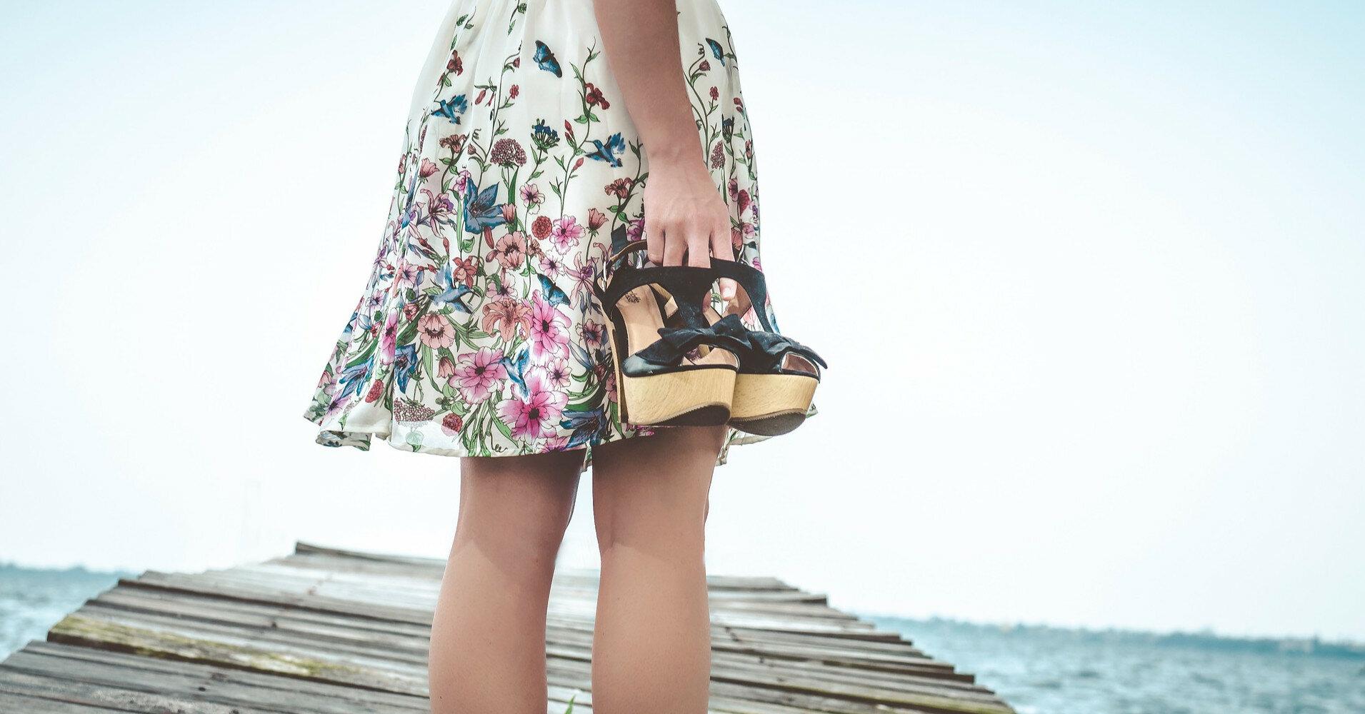 Трендовые варианты мини-юбки летом 2021: с чем носить