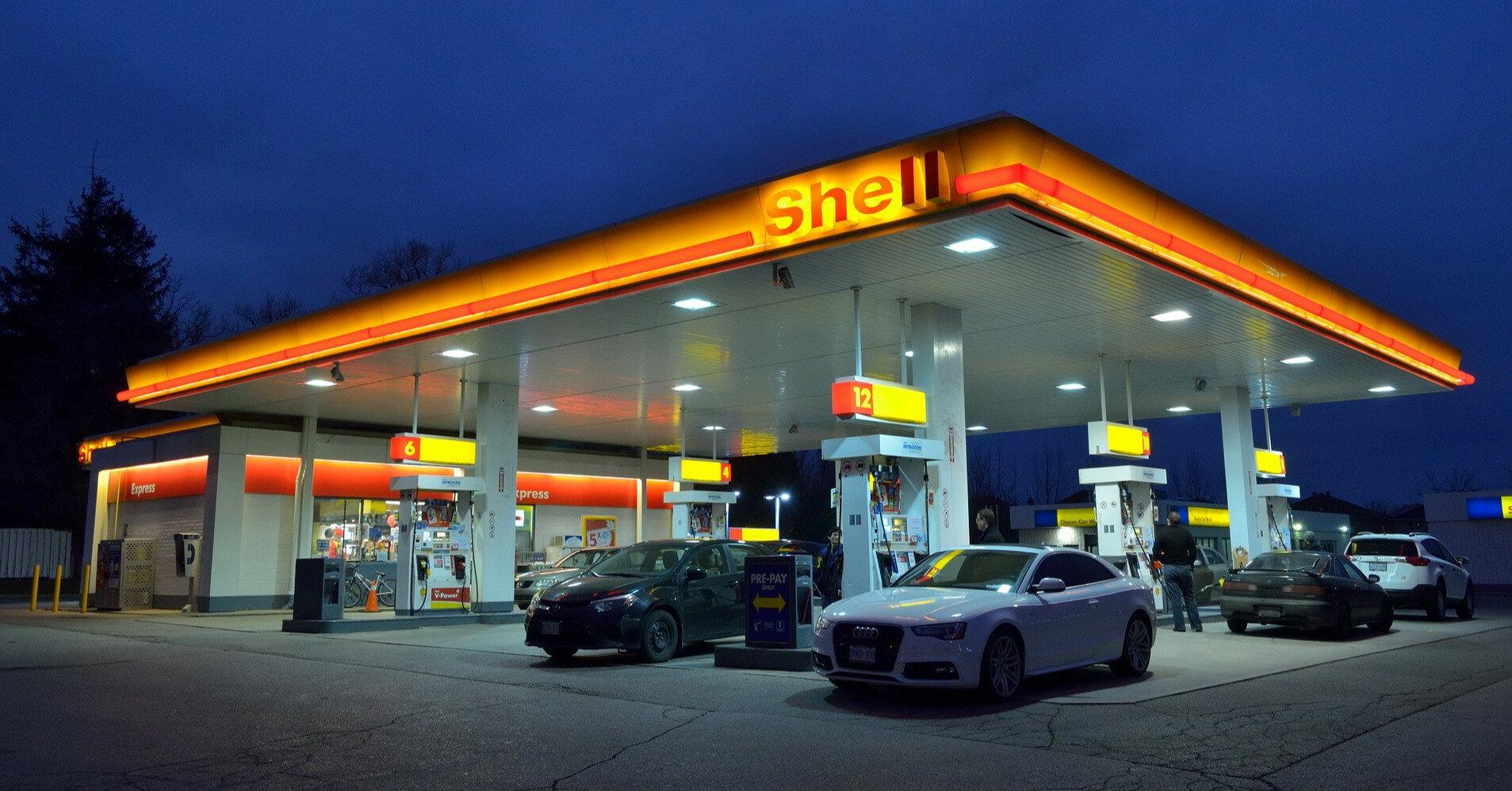 Кабмин может поднять предельную цену продажи топлива