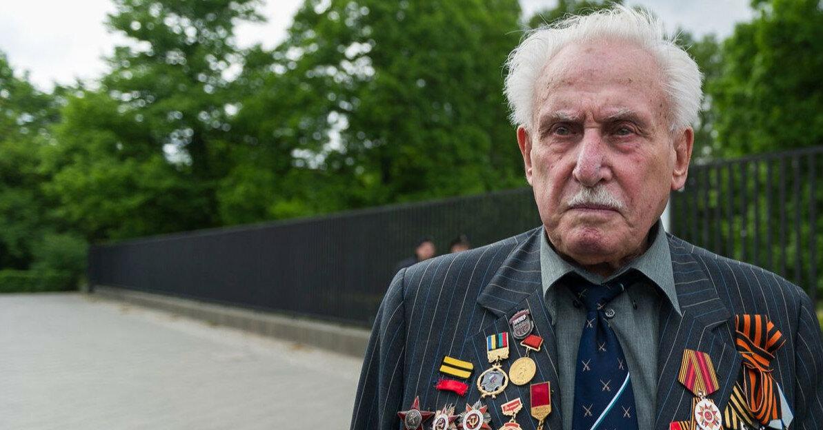 Последний освободитель Освенцима умер в возрасте 98 лет