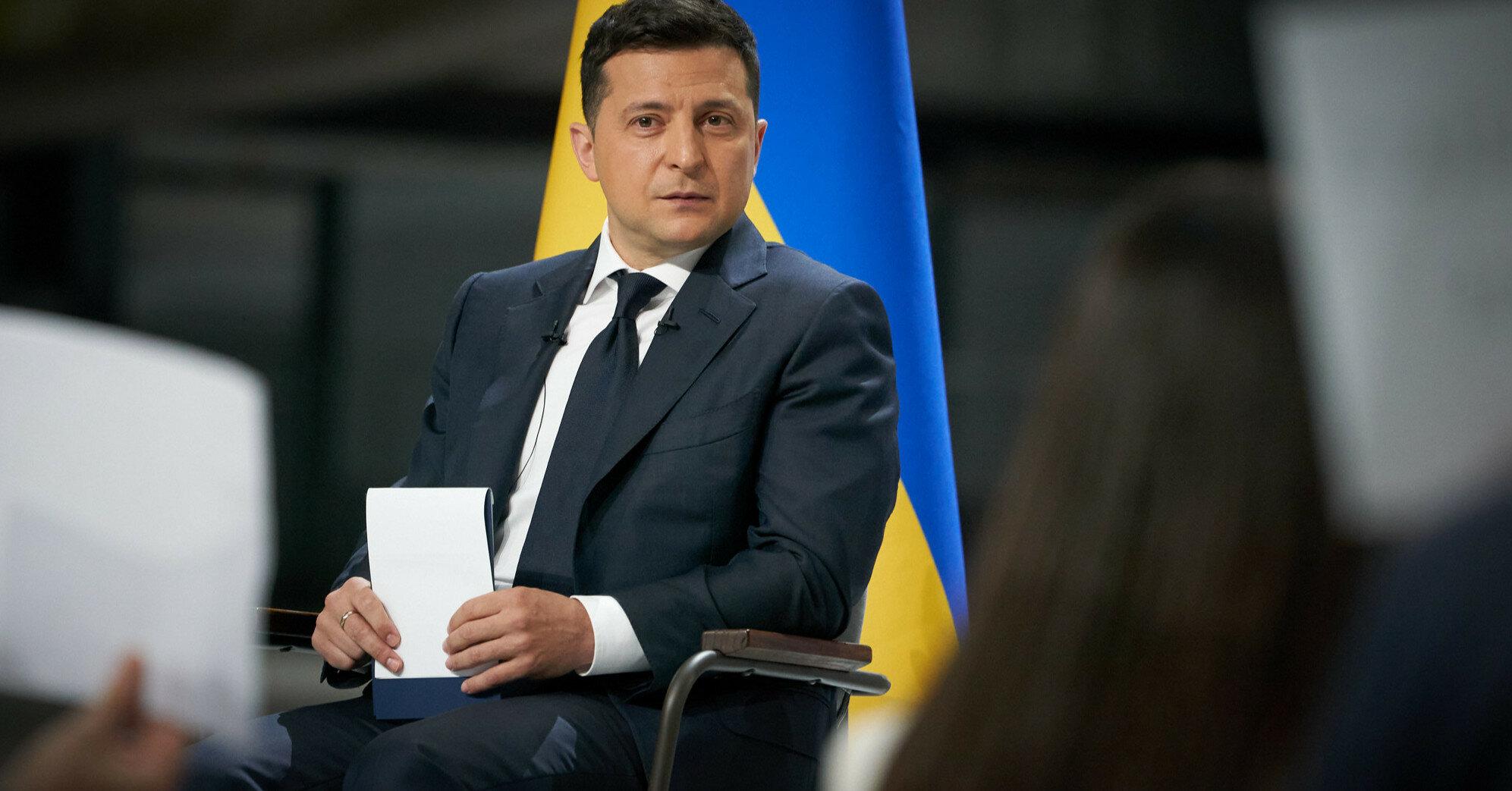 Более 55% украинцев назвали власть Зеленского дилетантской