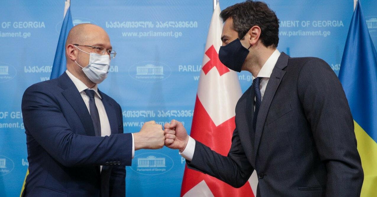 Украина и Грузия договорились о взаимном признании COVID-паспортов