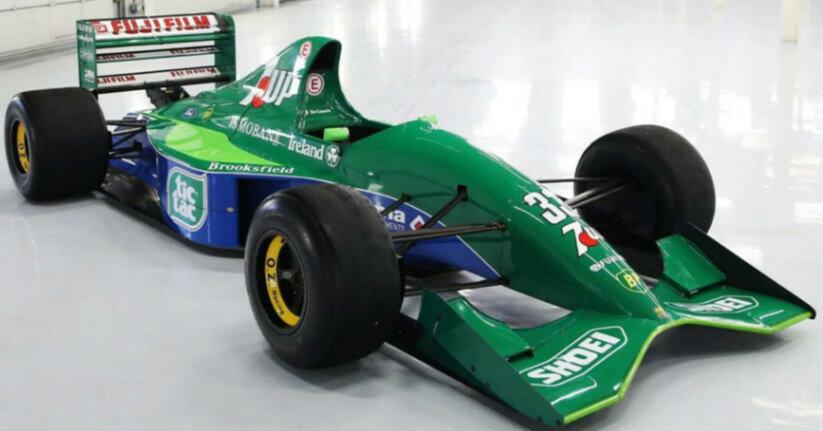 Первый болид Шумахера выставили на продажу