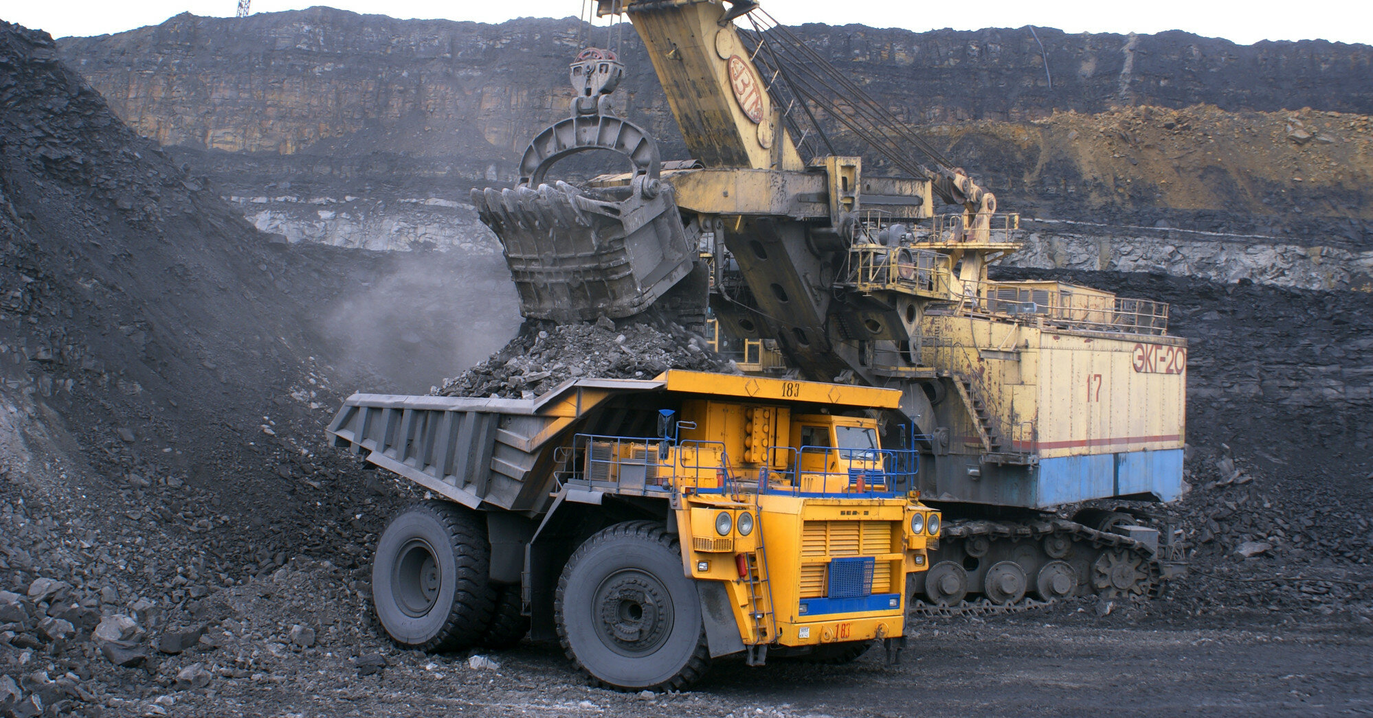 ЕС ввел санкции против крупнейших машиностроительных предприятий Беларуси
