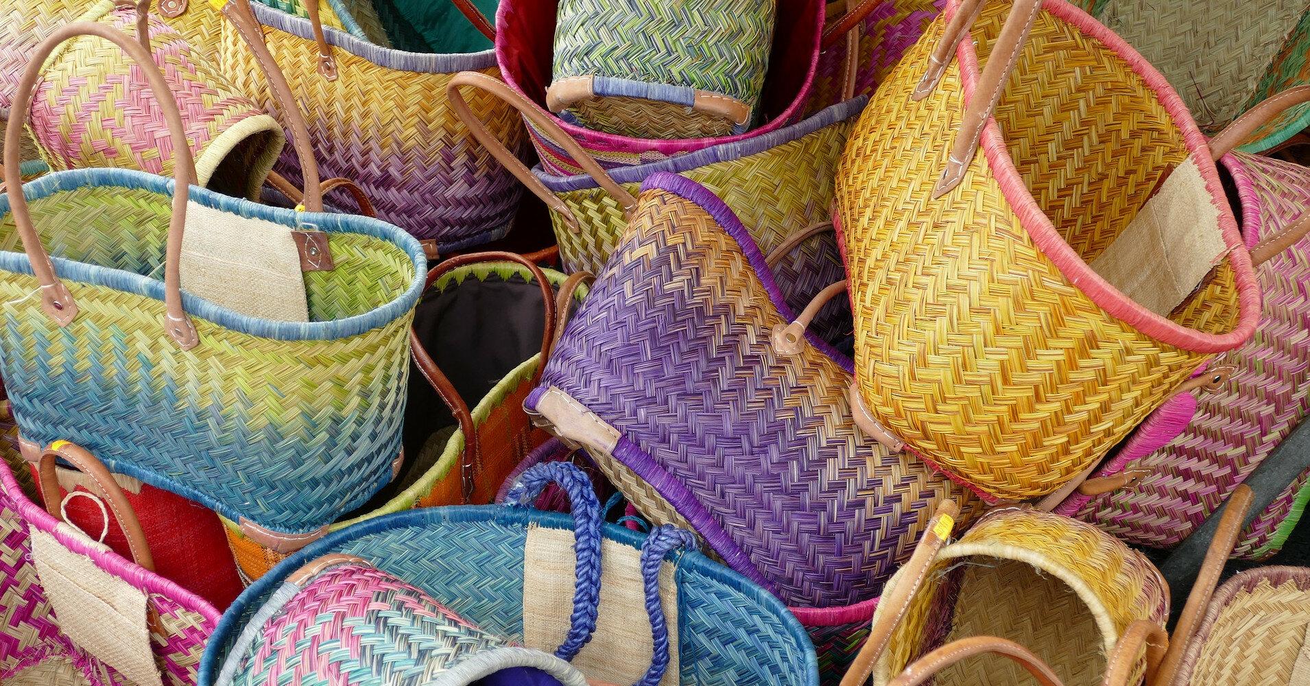 Модные плетеные сумки на лето 2021