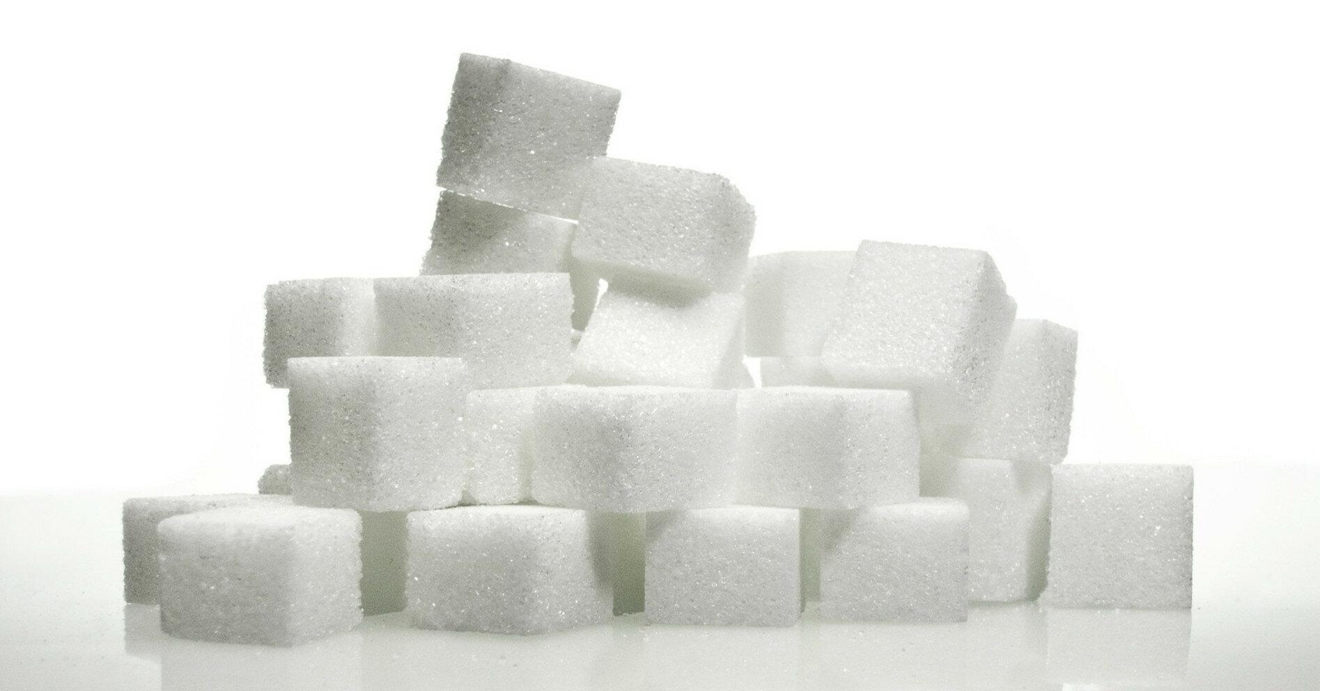 В Украину завозят все больше импортного сахара