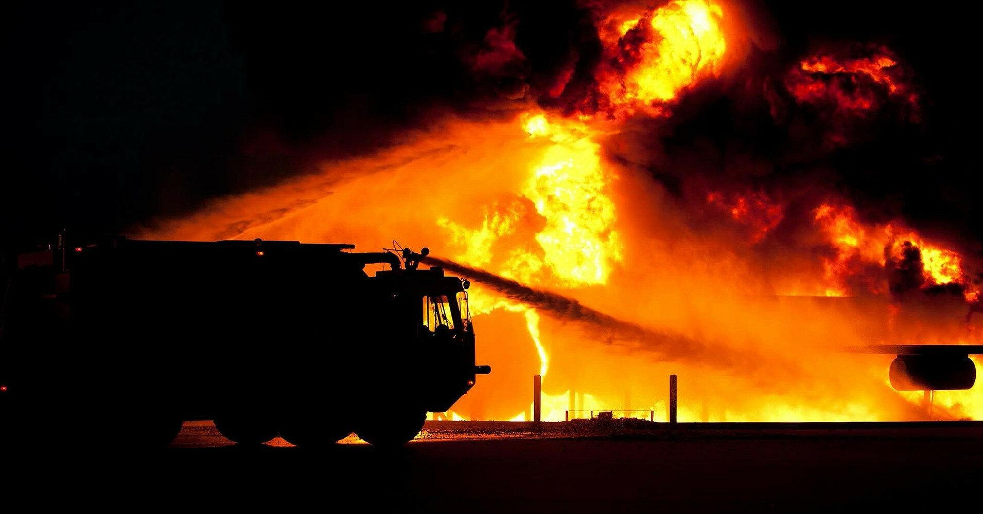 В Иерусалиме бушуют пожары, железнодорожное сообщение остановлено