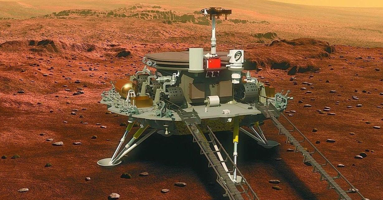 Китайський марсохід надіслав нові фото з Марса