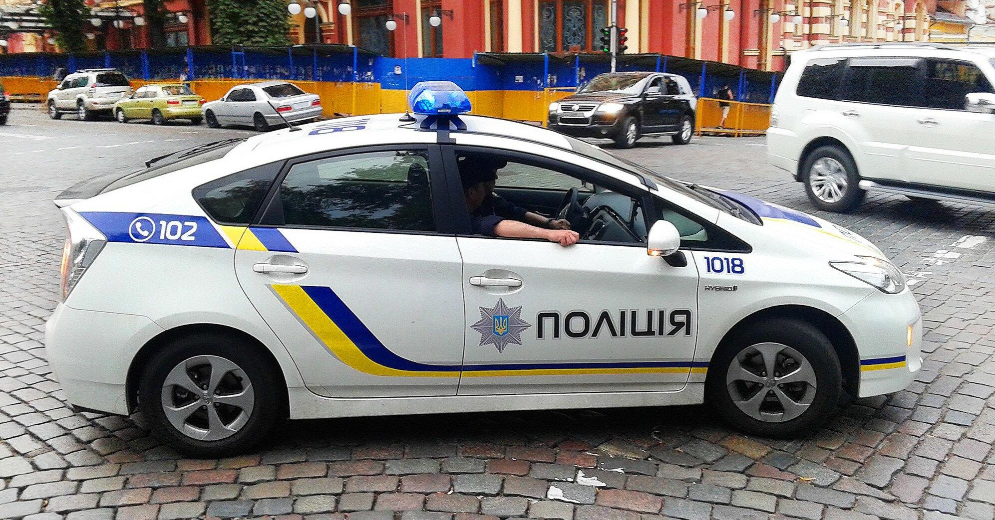На Буковине пьяный священник угрожал застрелить полицейского