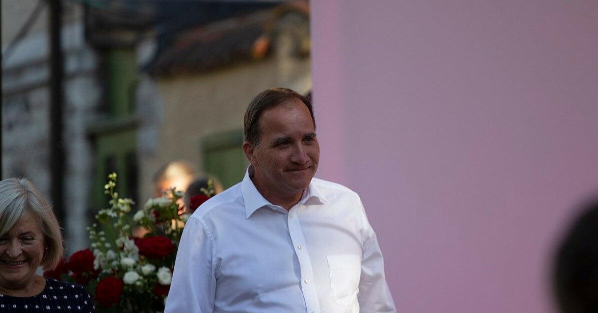 Глава правительства Швеции объявил об отставке