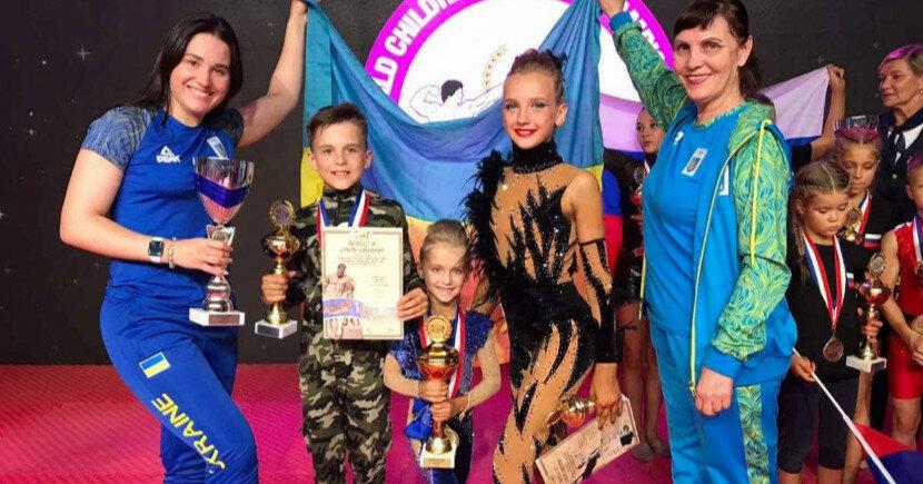 Юные украинки выиграли чемпионат мира по фитнесу