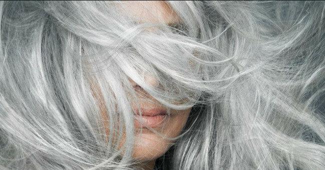 Удивительные продукты питания, которые отсрочат поседение волос