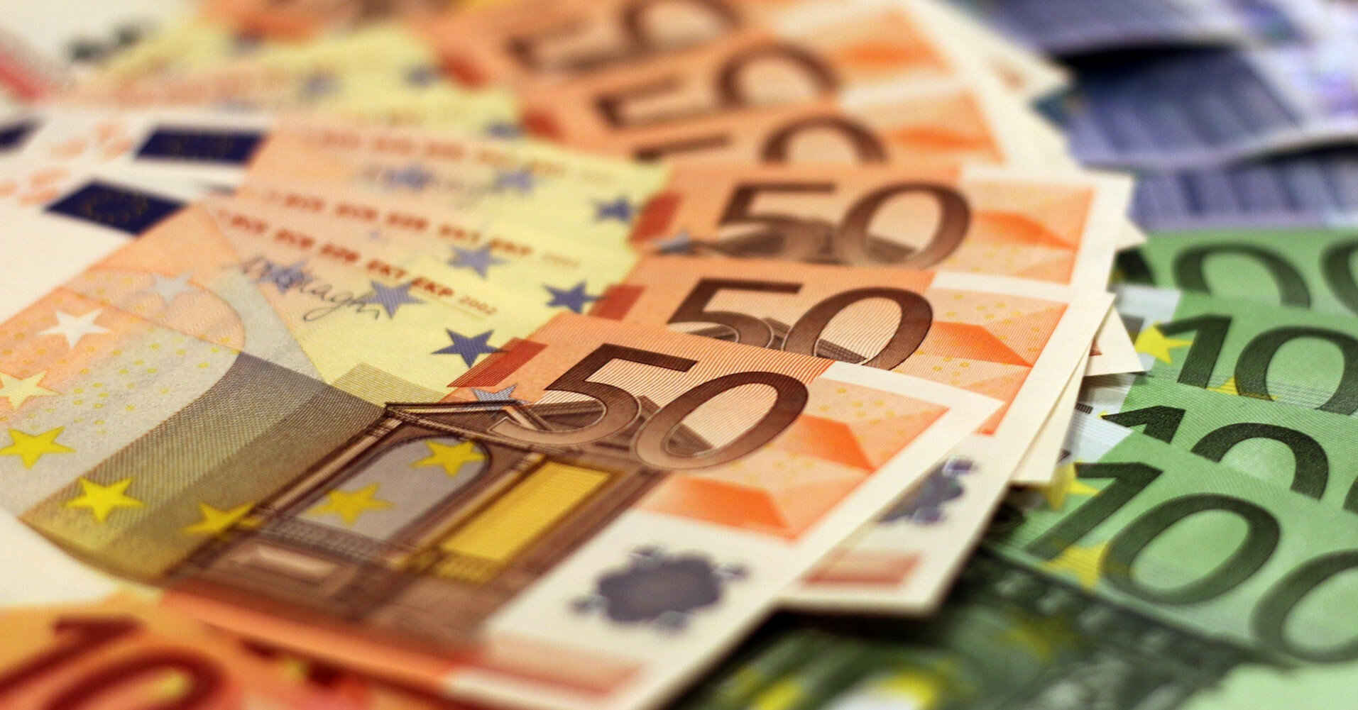 В Польше за неделю раздали 180 000 евро среди вакцинированных от COVID