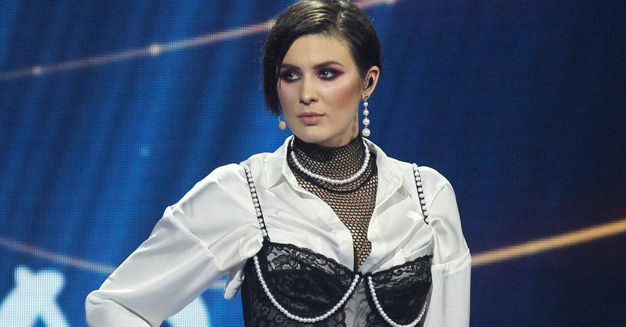 MARUV устроилась телеведущей в России