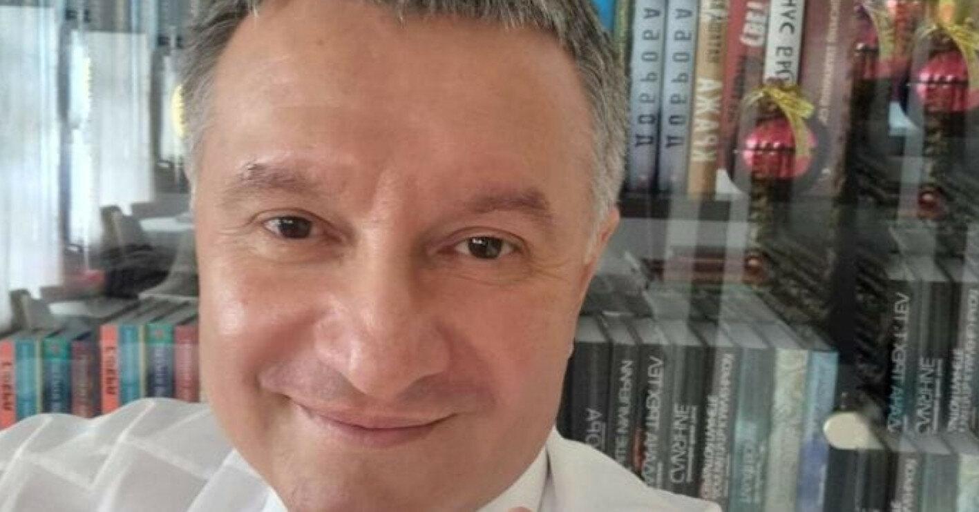Семь версий отставки Авакова