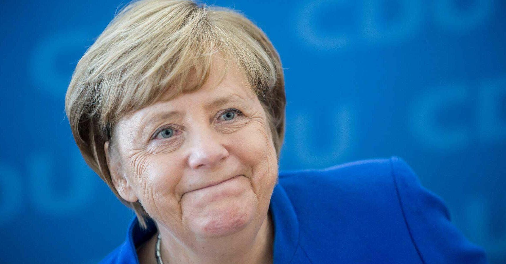 """В США посчитали решение Меркель по """"СП-2"""" унижением Байдена"""