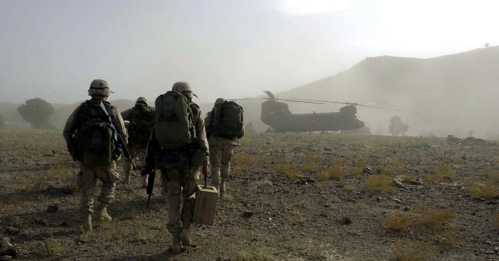 Десятки тысяч афганцев бегут в США от мести талибов