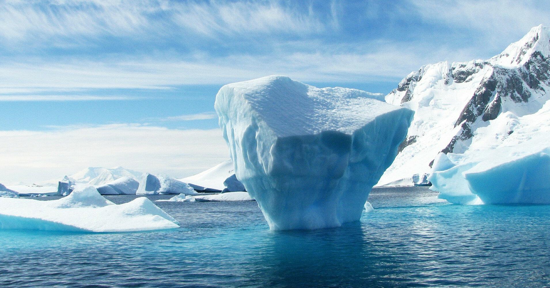 В Антарктиде обнаружили активные озера под ледниками