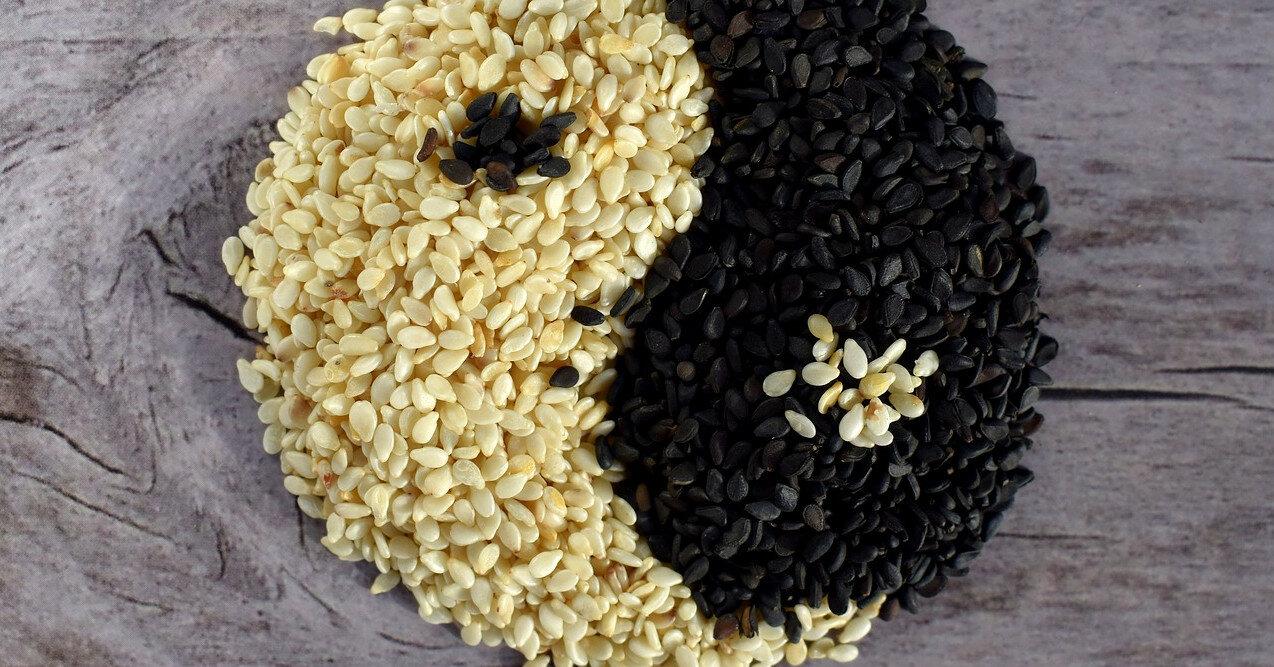 Кунжутные семечки, жмых и масло: влияние на организм