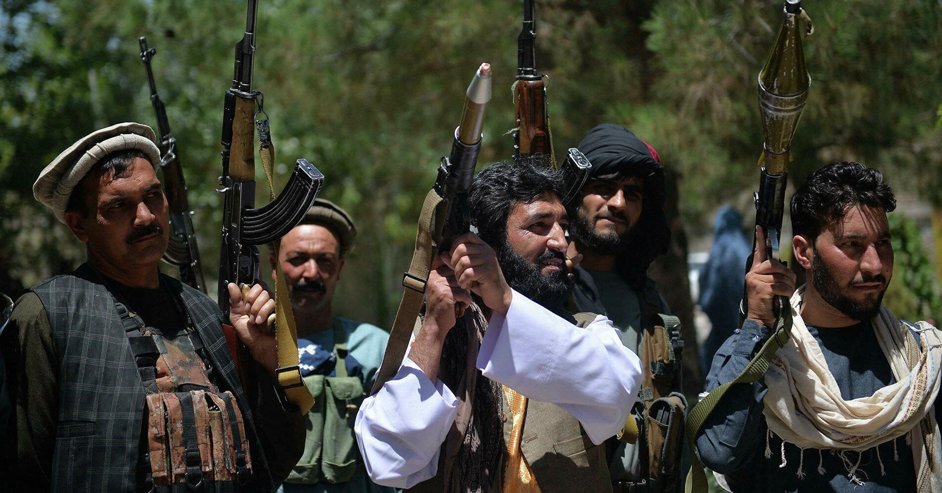 СМИ опубликовали видео расстрела талибами безоружных пленных