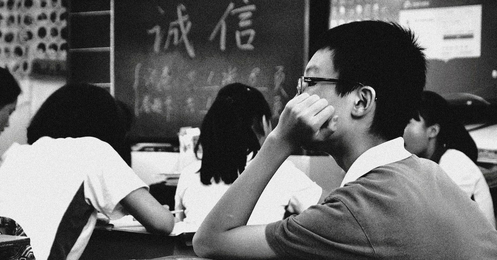 Школы закрывают 10-11 классы для учеников: что делать родителям