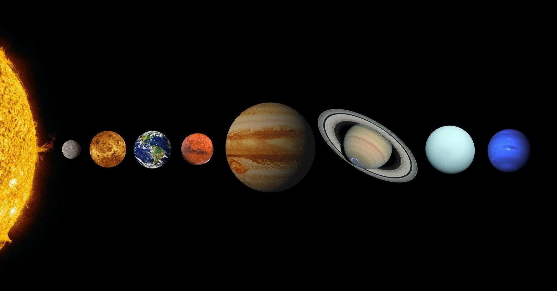 Как будет падать мяч на разных планетах (видео)