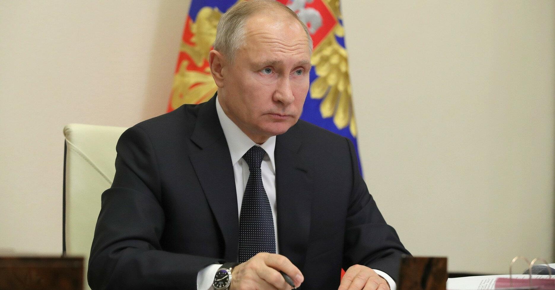 Путин официально разрешил военным РФ блокировать Керченский пролив