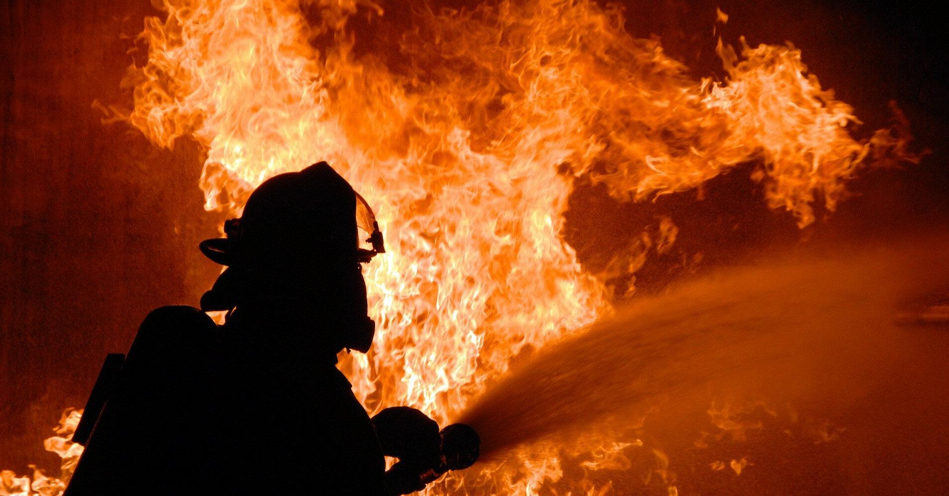 В Италии водитель спас 25 детей из горящего автобуса